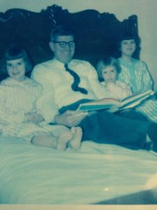 dad_susan_janet_me_reading_a_story